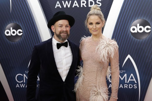 Moments from the CMA Awards red carpet