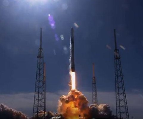 SpaceX launches 19th cargo mission to space station with robot aboard