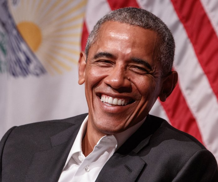 Obama in Chicago, aims to prep youth for leadership