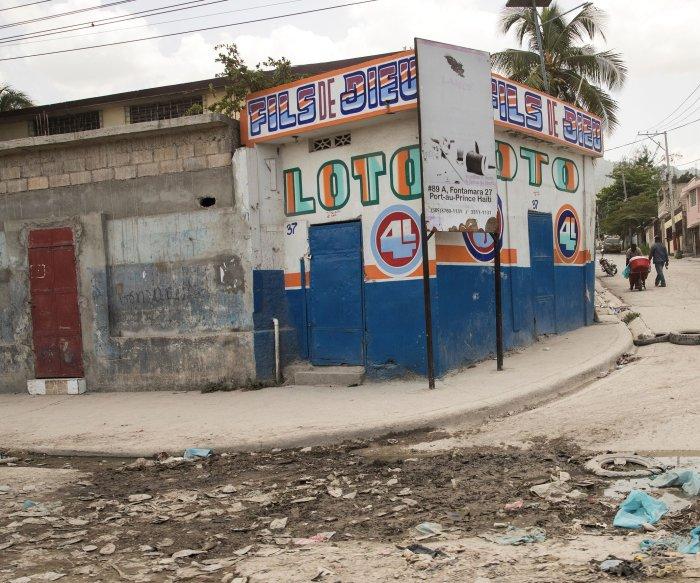 Gang abducts more than dozen U.S. missionaries, 3 children in Haiti