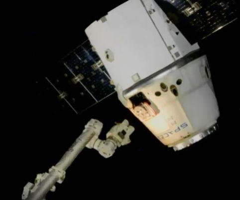 SpaceX's Dragon splashes down after trip to space station