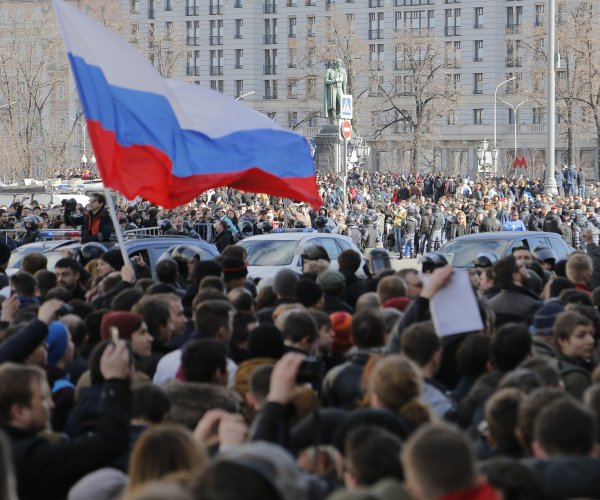 Anti-corruption leader Navalny jailed after Moscow protest