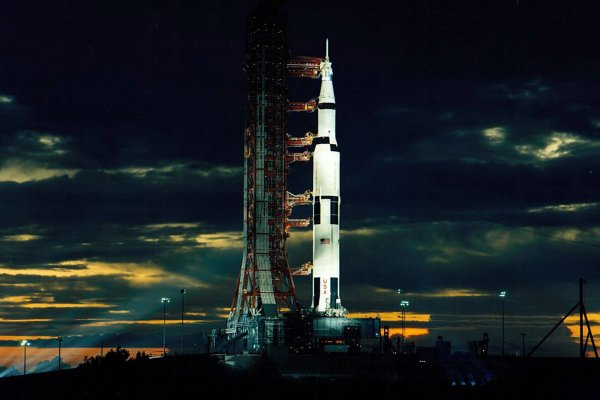 Politics, lack of support, funding have foiled U.S. plans to return to moon