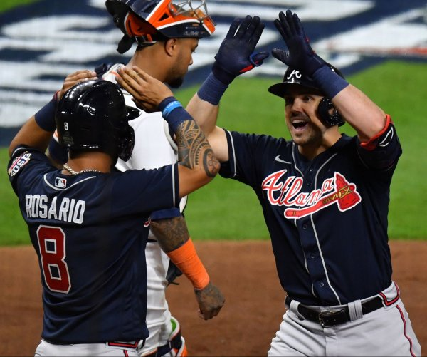 Braves jump out to early lead, beat Astros in first game of World Series