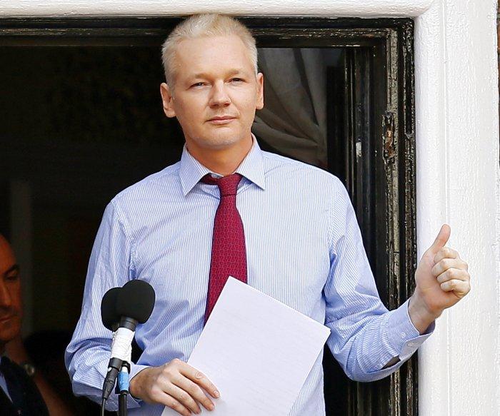 Swedish prosecutor seeks warrant for Julian Assange in rape case