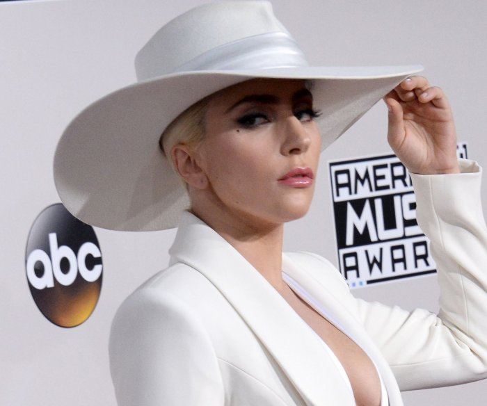 Lady Gaga previews Super Bowl halftime show