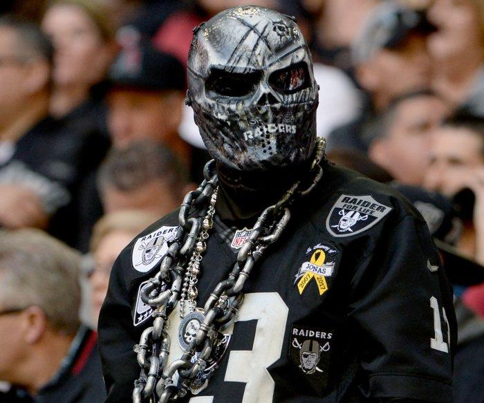 Last Hurrah? Raiders strike back after Oakland lawsuit
