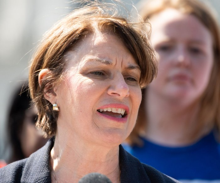 Amy Klobuchar unveils 100 actions she'd take in 1st 100 days as president
