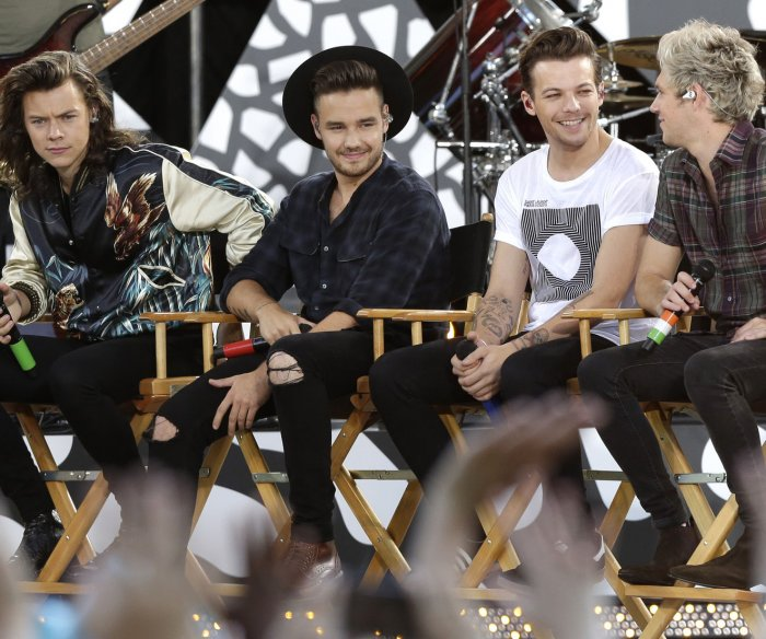 One Direction performs on 'GMA'
