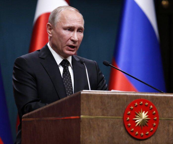 Kremlin: Putin views Trump's tweets as official statements