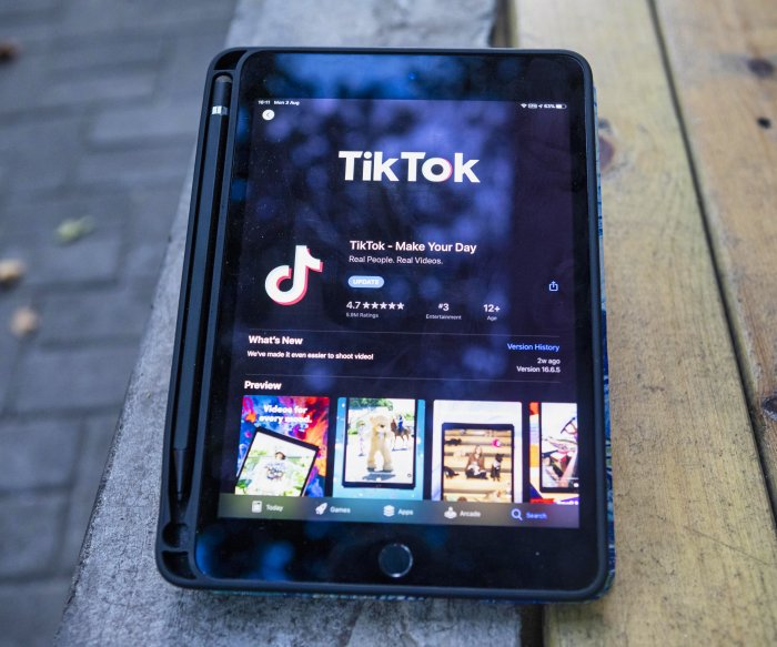 Oracle, Walmart team up for deal to purchase TikTok