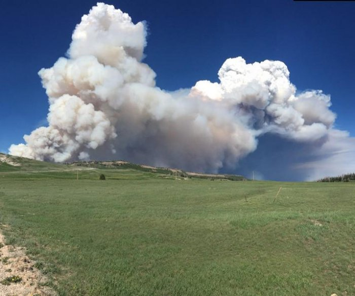 Expert fire crew brought in to battle Utah wildfire