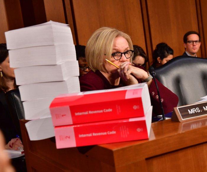 Senate panel passes tax plan; full vote after Thanksgiving