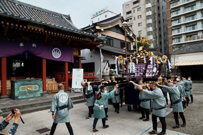 Japan celebrates belated Sanja Matsuri Festival