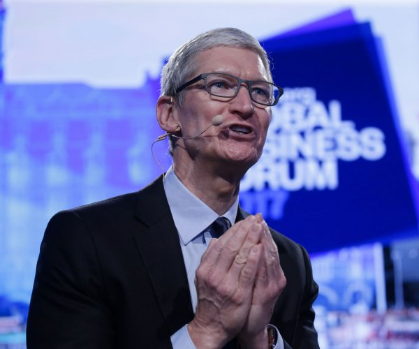 Apple plans to open new U.S. campus, add 20,000 jobs