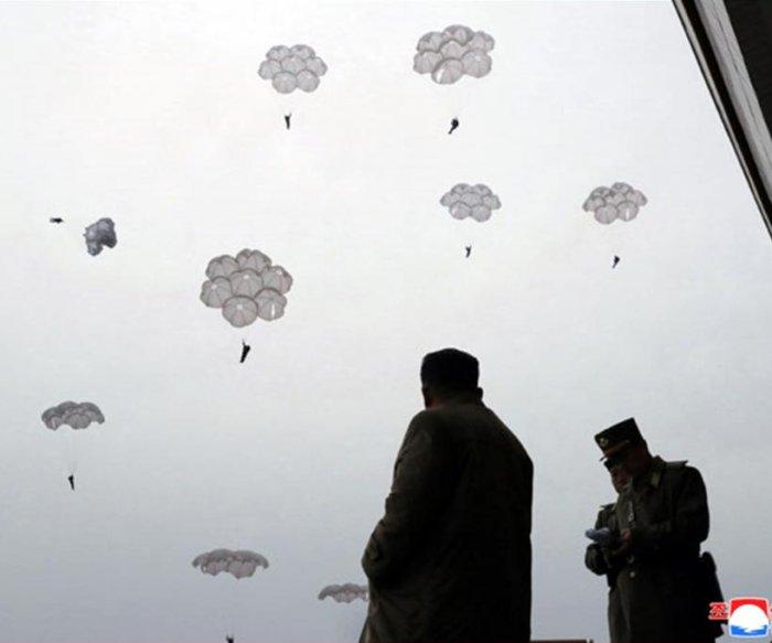 Kim Jong Un oversees military drills after U.S., S. Korea scrap exercises