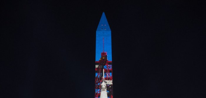 Apollo 11 tribute features projections onto Washington Monument