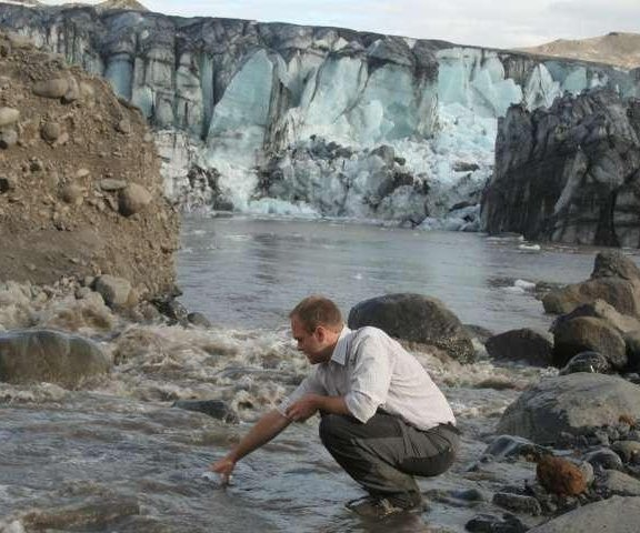 Glaciers, volcanoes jointly release large amounts of methane