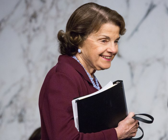 California Democrats withhold endorsement in Feinstein race