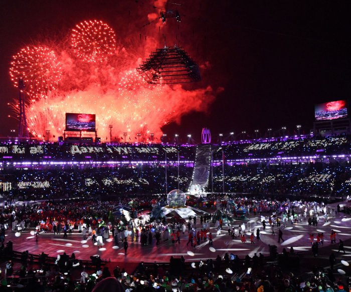 Pyeongchang dazzles with 2018 Winter Olympics closing ceremonies