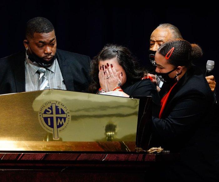 Daunte Wright funeral: Sharpton pledges policing reform