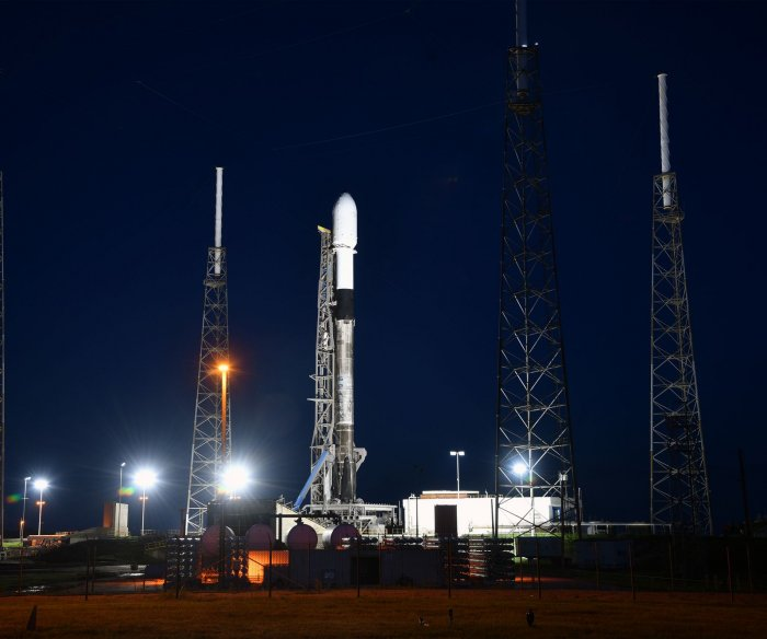 SpaceX plans record-breaking launch with 143 satellites