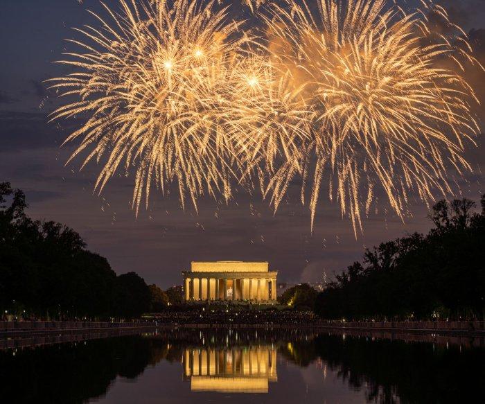 Washington, D.C., celebrates Fourth of July with fireworks