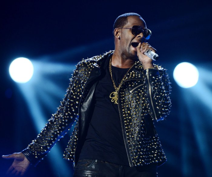 3 men linked to R. Kelly charged for seeking to influence victim testimonies