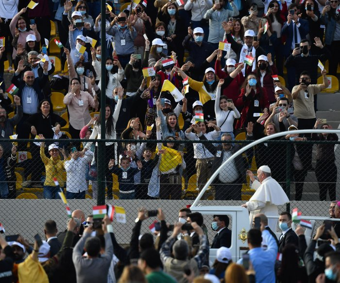 Pope Francis urges forgiveness where Islamic State ravaged churches