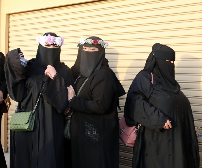 Saudi Arabia ends gender segregation in restaurants