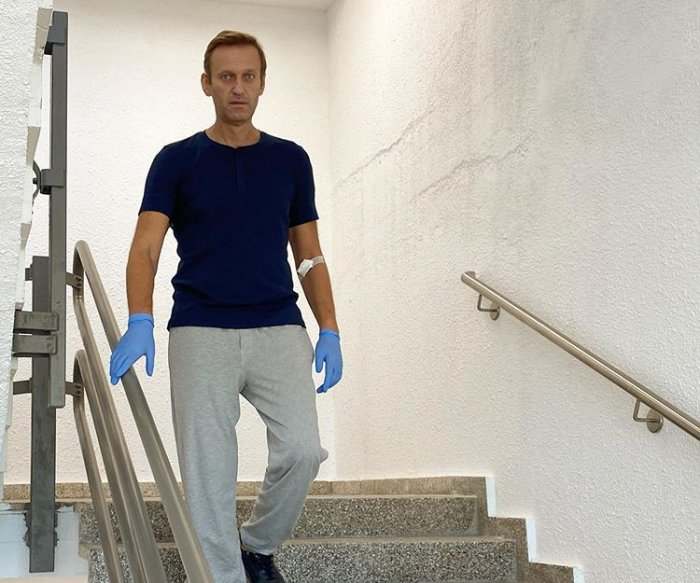 Kremlin critic Alexei Navalny discharged from German hospital