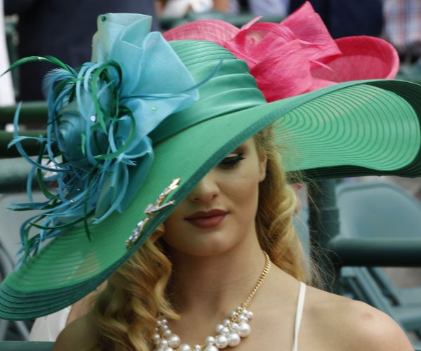 Fashion at the 2016 Kentucky Derby