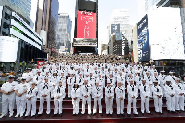Ships sail into New York City for Fleet Week