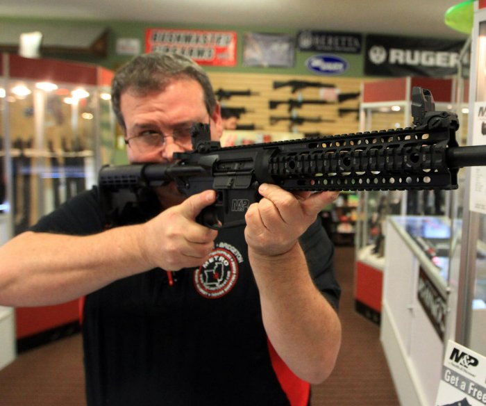 Court stays judge's ruling to overturn California's assault weapons ban