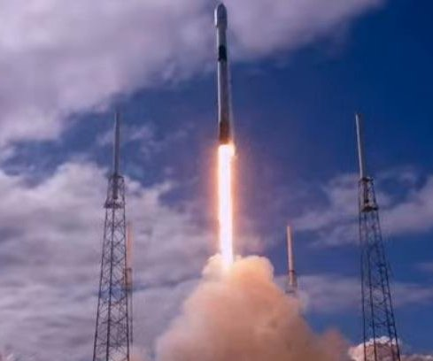 SpaceX Starlink launches satellites with 1st reused rocket nose