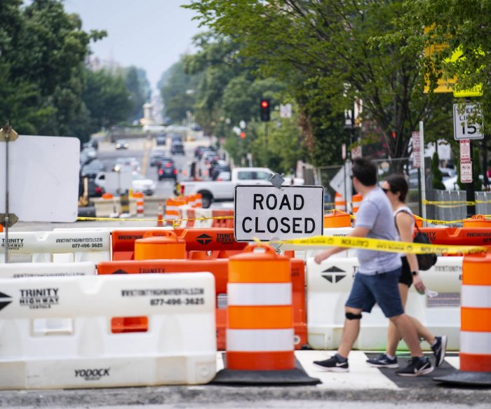 Senators unveil bipartisan infrastructure bill with $550B in new spending