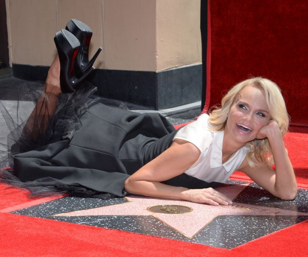 Kristin Chenoweth gets Hollywood Walk of Fame star