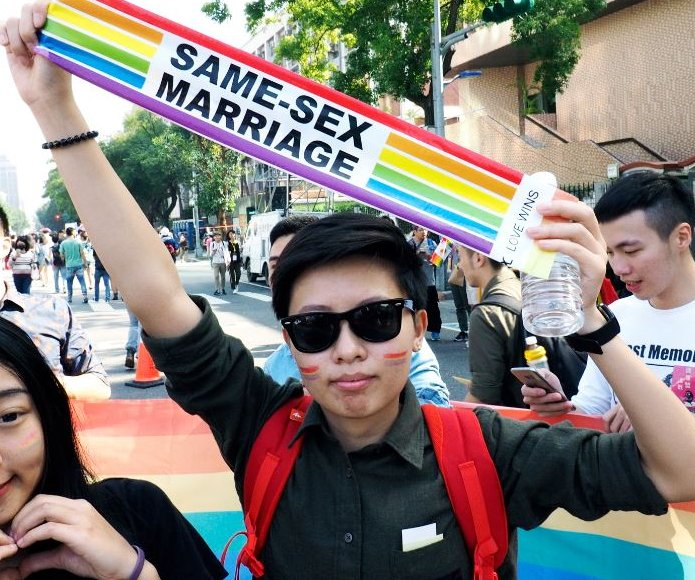 Taiwan court rules gay marriage ban unconstitutional