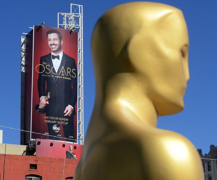 Jimmy Kimmel talks President Trump, buries hatchet with Matt Damon in Oscars monologue