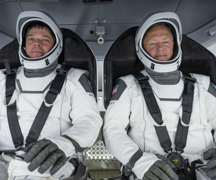 UPI News Quiz: astronauts, robots and tweets