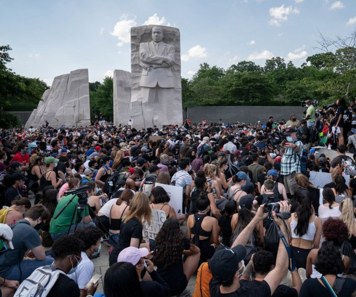 D.C. expects big George Floyd rally; Buffalo officers suspended