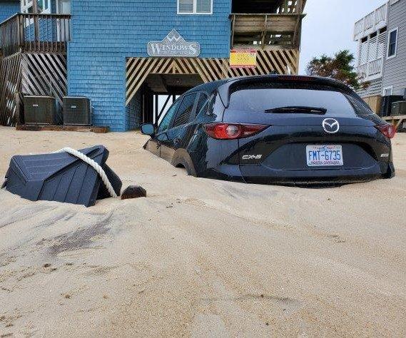 'No-name nor'ester' buries parts of Carolina coast in sand