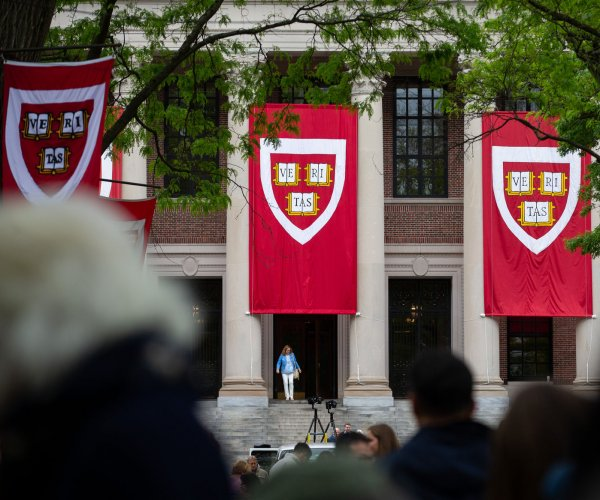 Harvard, MIT sue to block ICE from removing student visas for online instruction