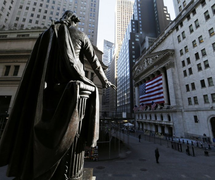 Stocks mostly flat on final day of quarter; Fed adds more support