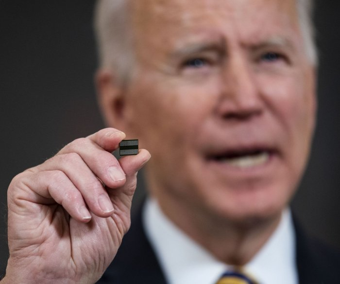 Biden meets with auto executives to address crippling chip shortage