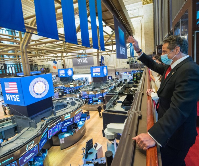 U.S. stocks surge as NYSE reopens trading floor