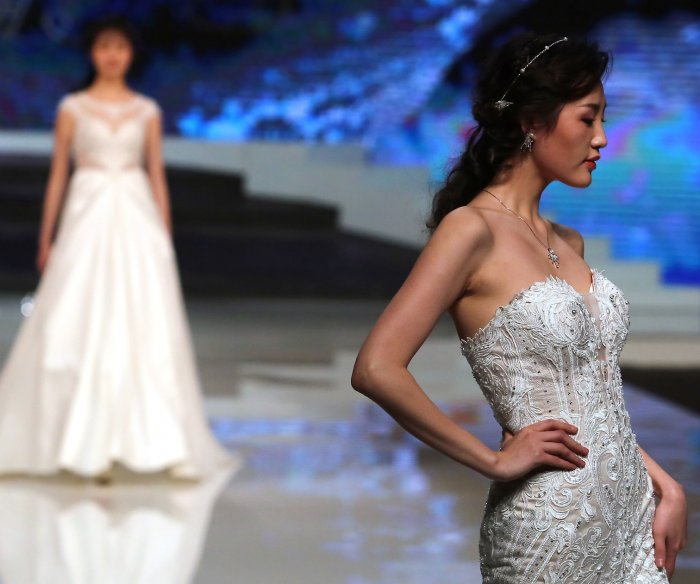 Ren Chunhua show at China Fashion Week