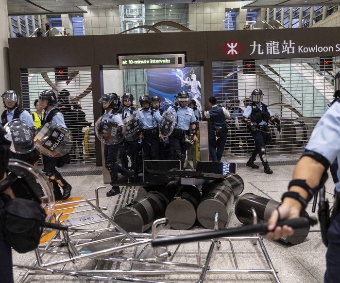 Hong Kong protesters target China-linked businesses