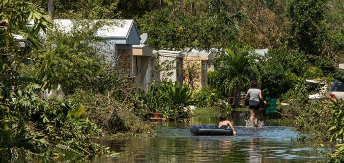 Hurricane Irma batters Florida