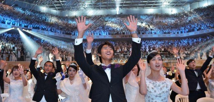 South Korean church holds mass wedding ceremony